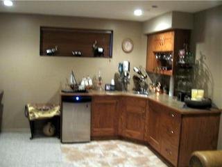 Red Deer - wet bar